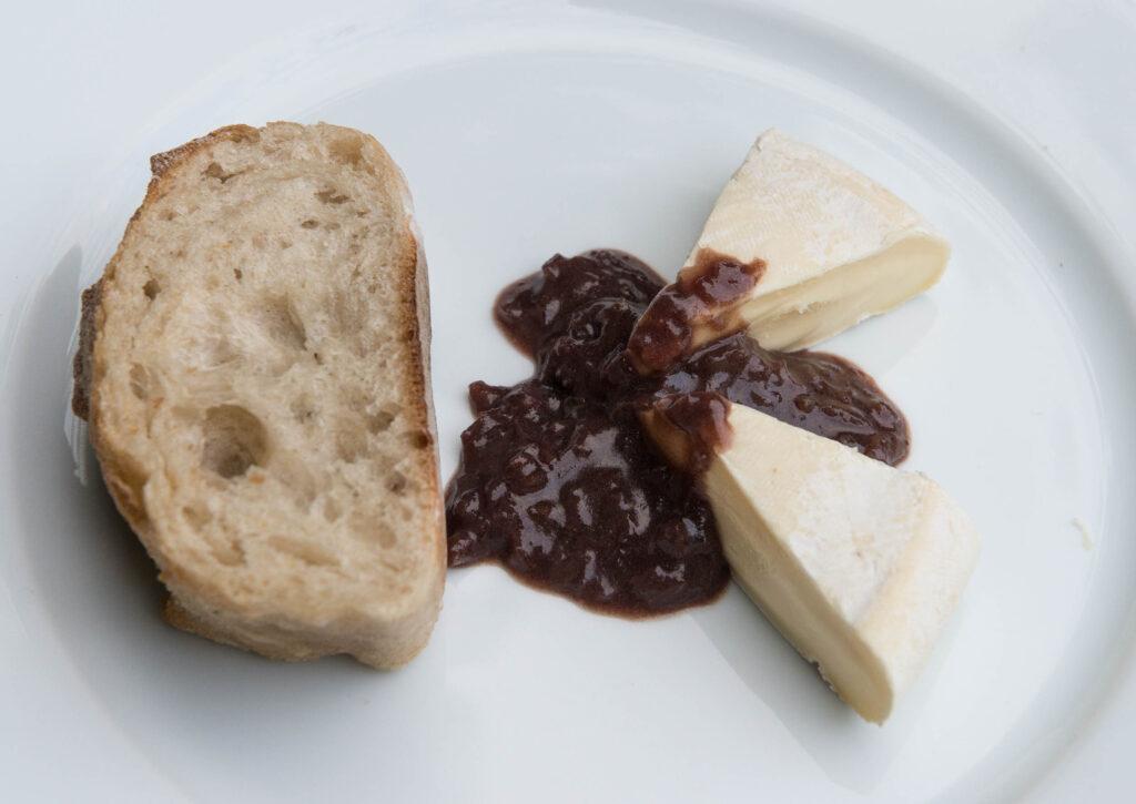 Reblochin mit Rotweinsauce