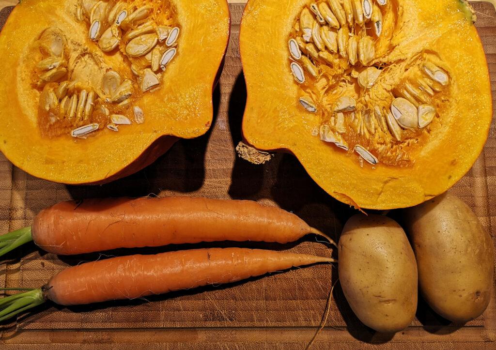Zutaten Kürbissuppe mit Karotten und Kartoffeln