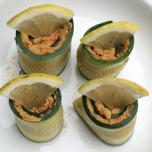 Zucchini-Sardinen-Röllchen als Vorspeise